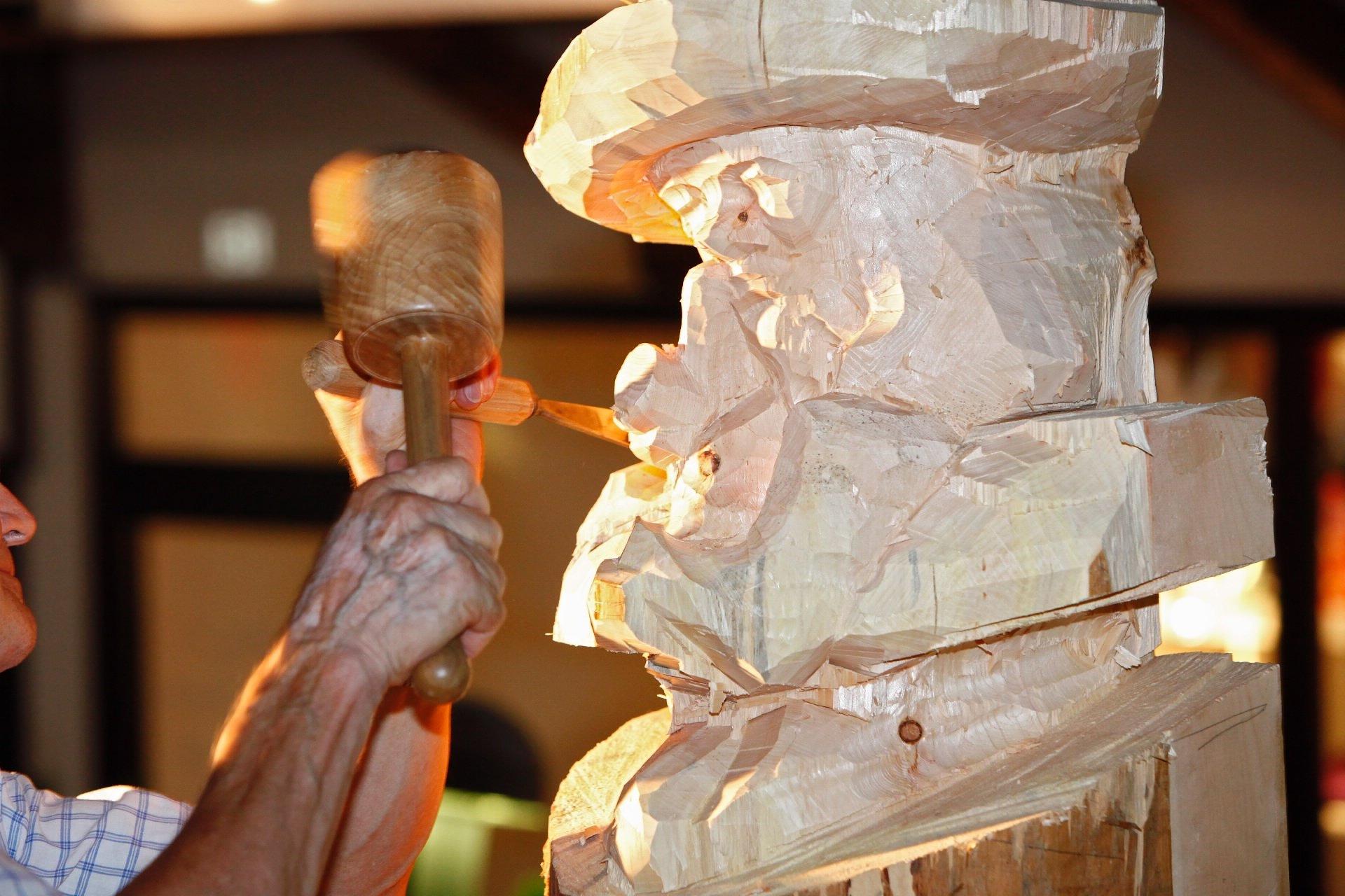 Trentino Alto Adige Artigianato arte e scultura | portale del legno trentino
